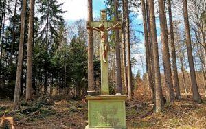 Grünes Kreuz am Marienweg