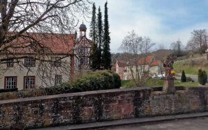 Der Fränkische Marienweg-Route 2: Klosterkirche in Holzkichenzburg